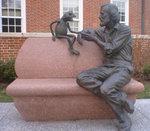 687px-Jim_Henson_statue.jpg